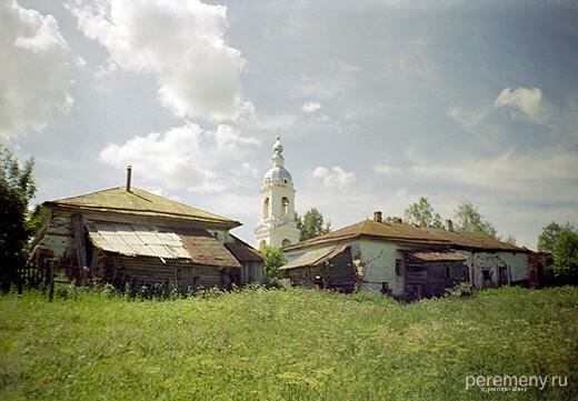 Успенский монастырь Адриана Пошехонского. Взгляд от языческой липы