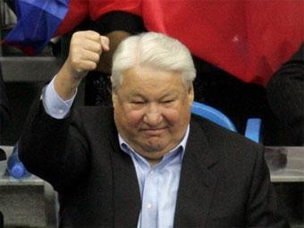 Б ельцин попал в автомобильную аварию в результате быстрой езды на своём москвиче