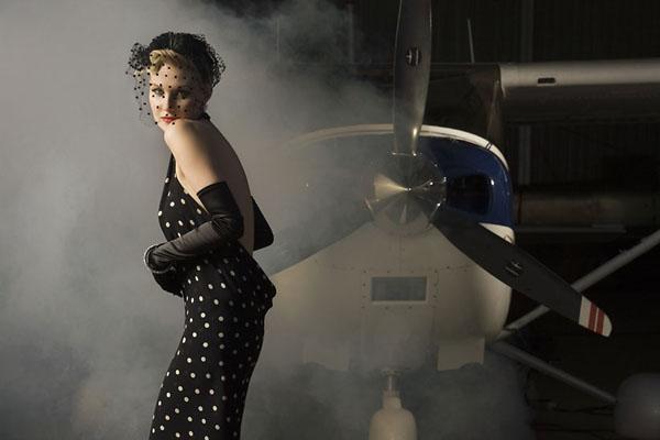 Рената Литвинова в платье из своей коллекции