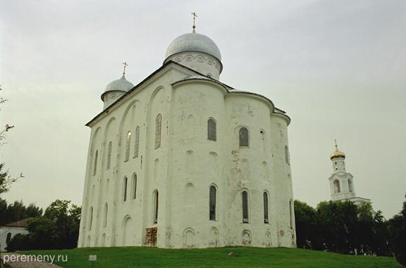 Георгиевский собор Юрьева монастыря под Новгородом. Фото Олега Давыдова