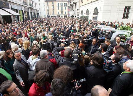 folla-stampa.jpg