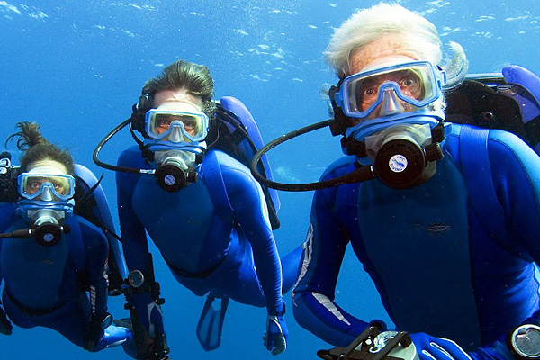 Cousteau-Family-Swimming