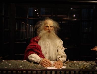 Олег Кулик. Толстой и куры 1997-2004. Инсталляция