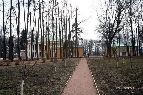 Горки Ленинские. Фото Олега Давыдова