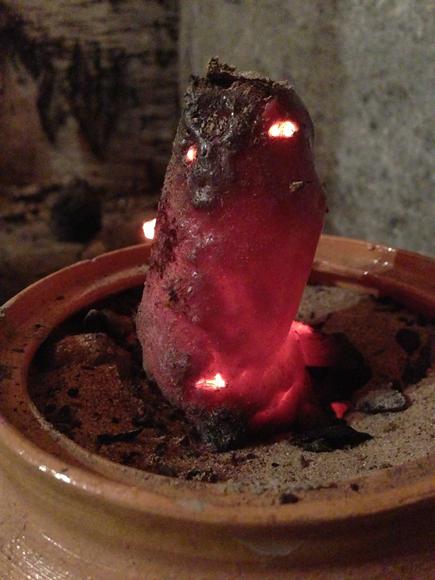 Матрешка-контейнер, только что побывавшая в алхимическом огне. Внутри - свежевыплавленный камень