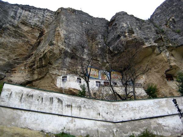Монастырь в Чуфут-Кале