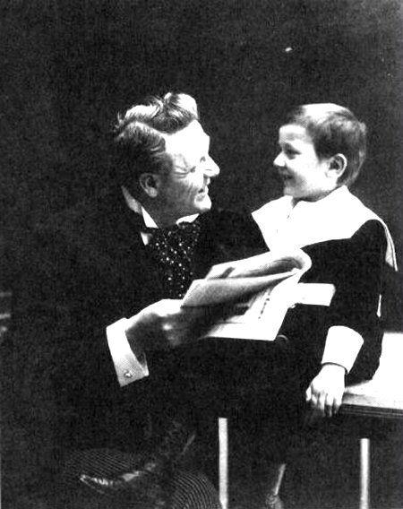 Ф.И. Шаляпин с сыном Борисом