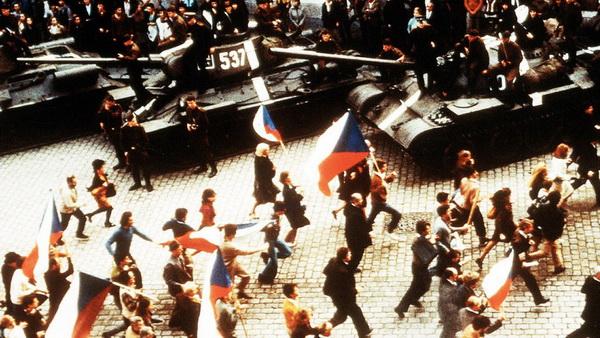 Кадр из фильма Невыносимая легкость бытия. 1988 год. Режиссер Филип Кауфман. Фильм снят по одноименному роману Милана Кундеры.