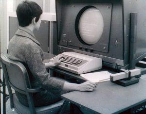 Так выглядел со стороны человек, работающий с NLS в конце 60-х