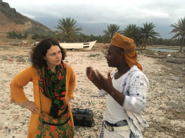 Интервью с музыкантом из афро-сокотрийской группы. Пригород Хадибо, о. Сокотра, 2019