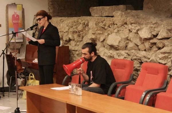 Поэтическое выступление в Белграде, 2013 (из личного архива)