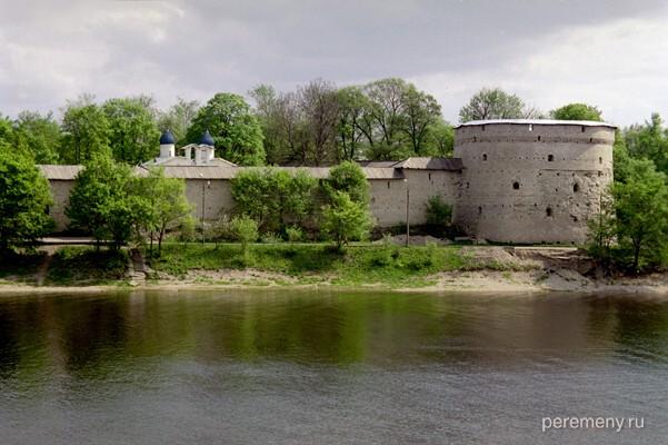 Псков и река Пскова. Фото Олега Давыдова
