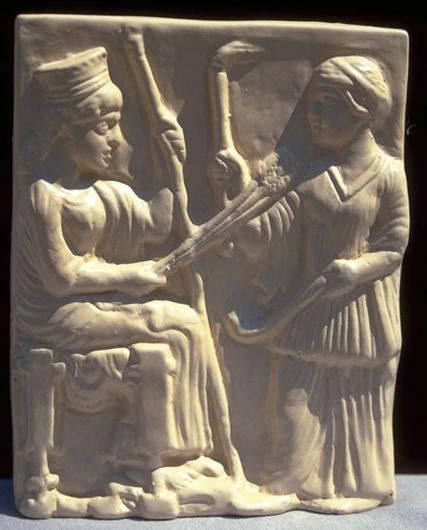 Деметра и Персефона. Античный барельеф