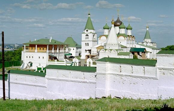 Вознесенский Печерский монастырь в Нижнем Новгороде. Фото Олега Давыдова