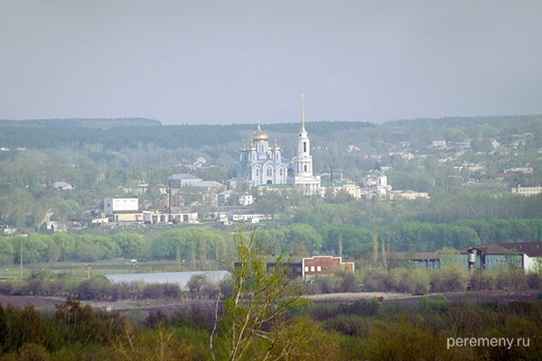 Задонск через Дон. Монастырь Рождества Богородицы. Фото Олега Давыдова