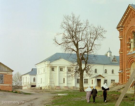 Тюненский монастырь в Задонске. Фото Олега Давыдова