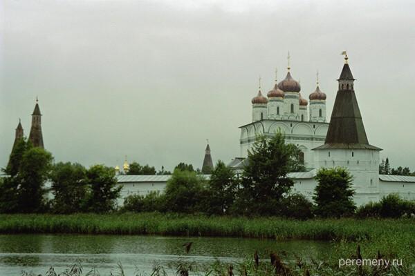 Успенский Иосифо-Волоцкий монастырь. Фото Олега Давыдова