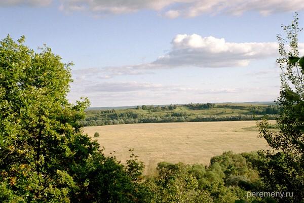 Шамордино. Хлебное поле, над которым Амвросию явилась Спорительница хлебов. Фото Олега Давыдова