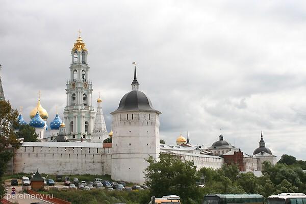 Троице-Сергиев монастырь когда-то был одним из самых мощных замков в Европе. Фото Олега Давыдова