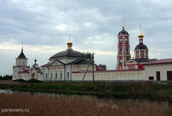 Троице-Сергиев Варницкий монастырь расположен там, где прошло детство Сергия. Это в трех километрах к северо-западу от центра Ростова Великого. Фото Олега Давыдова