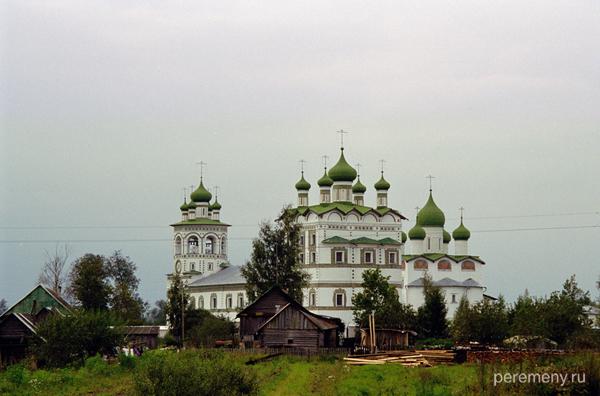 Вяжищский монастырь под Новгородом. Фото Олега Давыдова