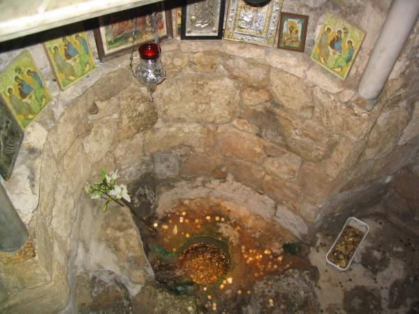 Источник в храме Благовещения в Назарете