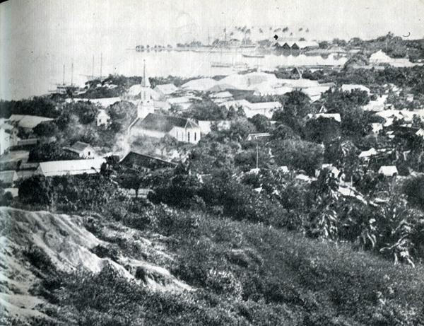 8. Цель долгого плавания Гогена в 1891 г.: город и порт Папеэте, вид с гор.