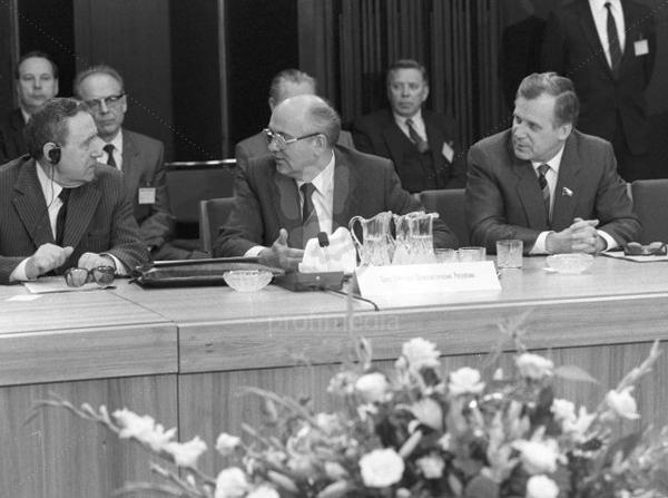 Громыко, Горбачев, Рыжков в ГДР. Май 1987 года