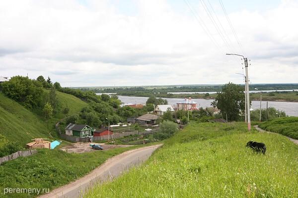 Село Карачарово под Муромом, под горой источник Ильи Муромца. Фото Олега Давыдова