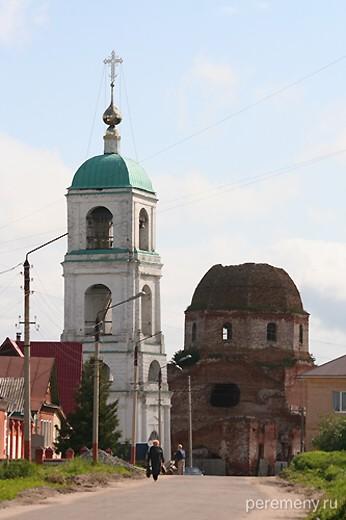 Церковь в селе Карачарово. Фото Олега Давыдова
