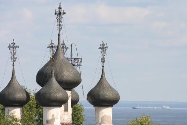 Белозерск. Вид на Белое озеро с крепостного вала Белозерского кремля. Фото Олега Давыдова