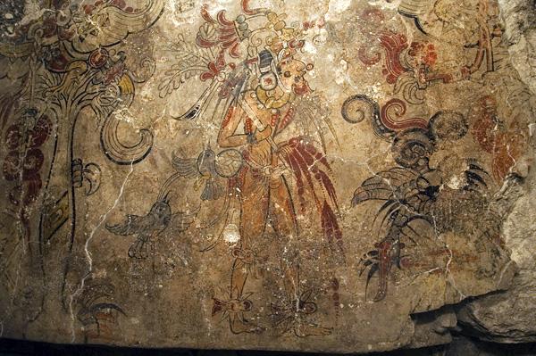 Фрагмент священной настенной росписи Майя в Сан Бартоло - самая ранняя из известных дошедших до нас работ Майя, изображает рождение космоса и божественное происхождение земной власти. Фото: Кеннет Гарретт