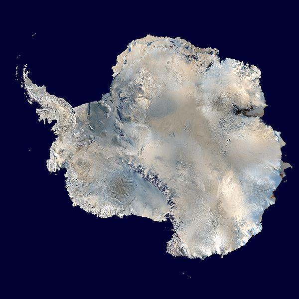 Спутниковая фотография Антарктиды из архива NASA