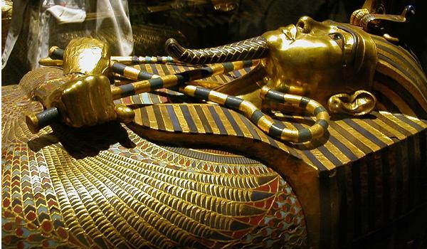 Египет. Каирский Национальный музей, Каир. Маска Тутанхамона