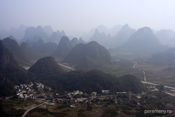 Известняковые холмы на юге Китая (Yueliang Shan). Фото: Ольга Молодцова