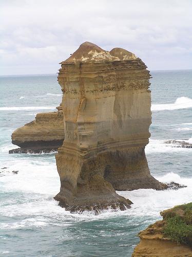 Известняковые природные скульптуры на юге Австралии (Великая Океанская дорога). Фотография by pierre pouliquin/Flickr.com