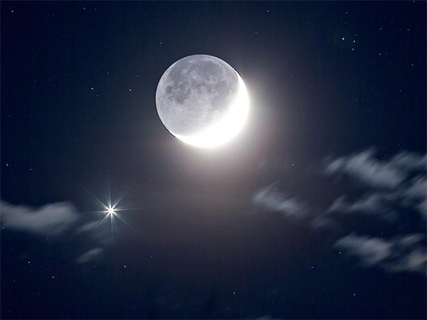 Венера рядом с луной
