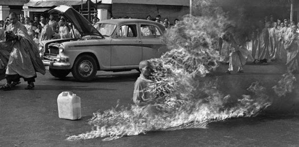 Знаменитое самосожжение (в данном случае, протестное) тибетского монаха