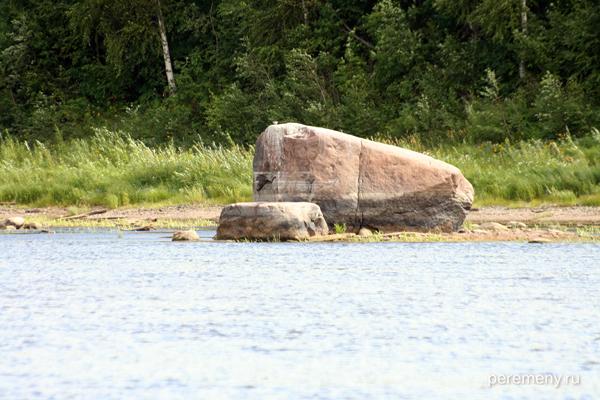 Сухона. Камень Лось. Фото: Олег Давыдов