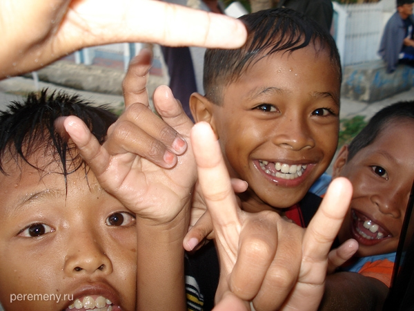 Дети острова Сулавеси, г. Мамаджу. Фото: Василий Соловьев-Спасский