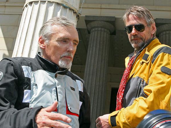 актер и режиссер Денис Хоппер и английская звезда кино и театра Джереми Айронс, наконец, прибыли! Фото: lenta.ru