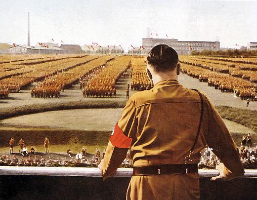 Гитлер - классический лидер народных фантазий