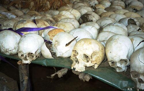 Последствия геноцида в Руанде. Фото Сергея Ратникова 1996 год