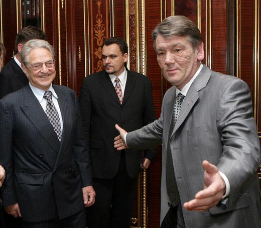Президент Украины заискивает перед Джорджем Соросом. Это по-человечески так понятно...