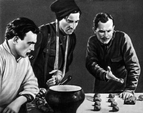 Где должен быть командир? Василий Иванович преподает науку китайских козней своим подчиненным. Кадр из фильма Чапаев