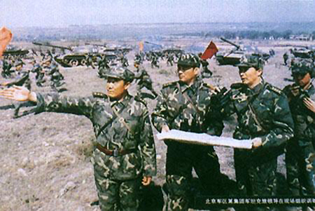 Учения китайской армии. Учат, разумеется, применению козней