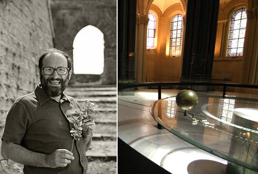 Слева Умберто Эко держит в руках, разумеется, розу. Справа маятник Фуко в парижском Музее ремесел и профессий, располагающемся в бывшей цкркви Сен-Мартер-де-Шан. То есть это ровно тот маятник, о котором идет речь в романе Эко Маятник Фуко