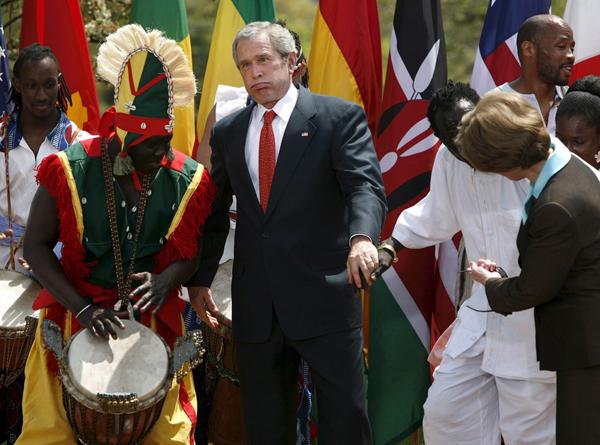 У президента Буша в последнее время что-то не вытанцовывается