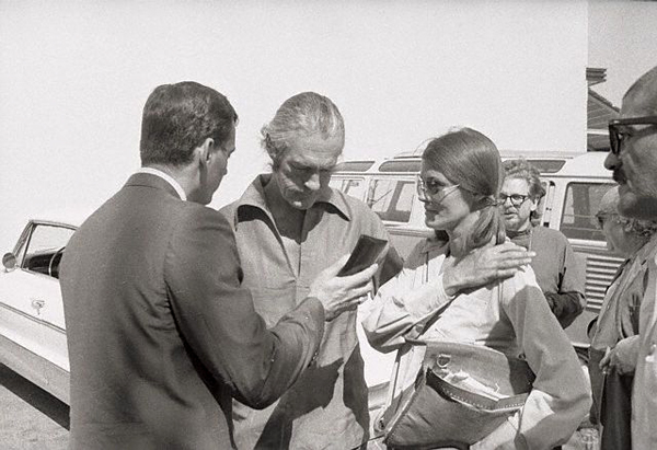 Тимоти Лири и его жена Розмари Вудрафф. Подства. Арест на мексиканской границе