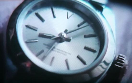 Кадр из фильма День, когда Земля остановилась. Остановившиеся часы на руке министра обороны США. Тут ниже в одном комменте указано, что это 2033 год. Очень похоже на правду